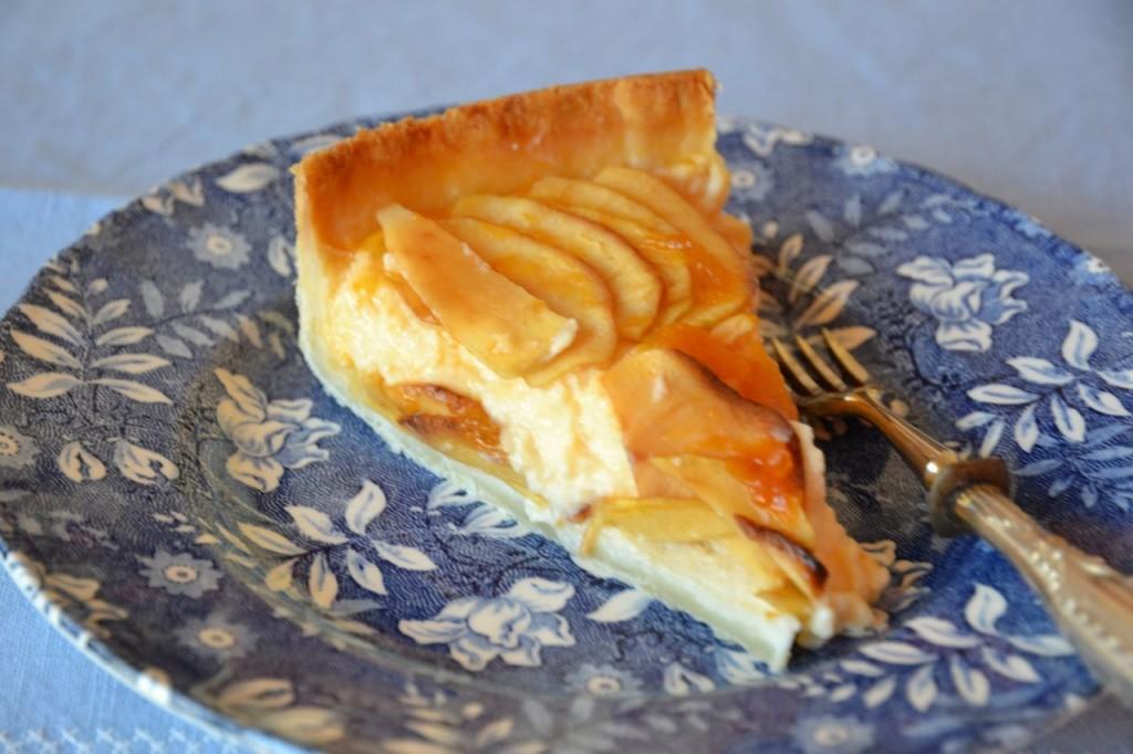 Tarta de manzana con crema